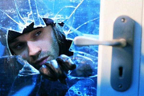 Stop Break-Ins with Shatterproof Window Film
